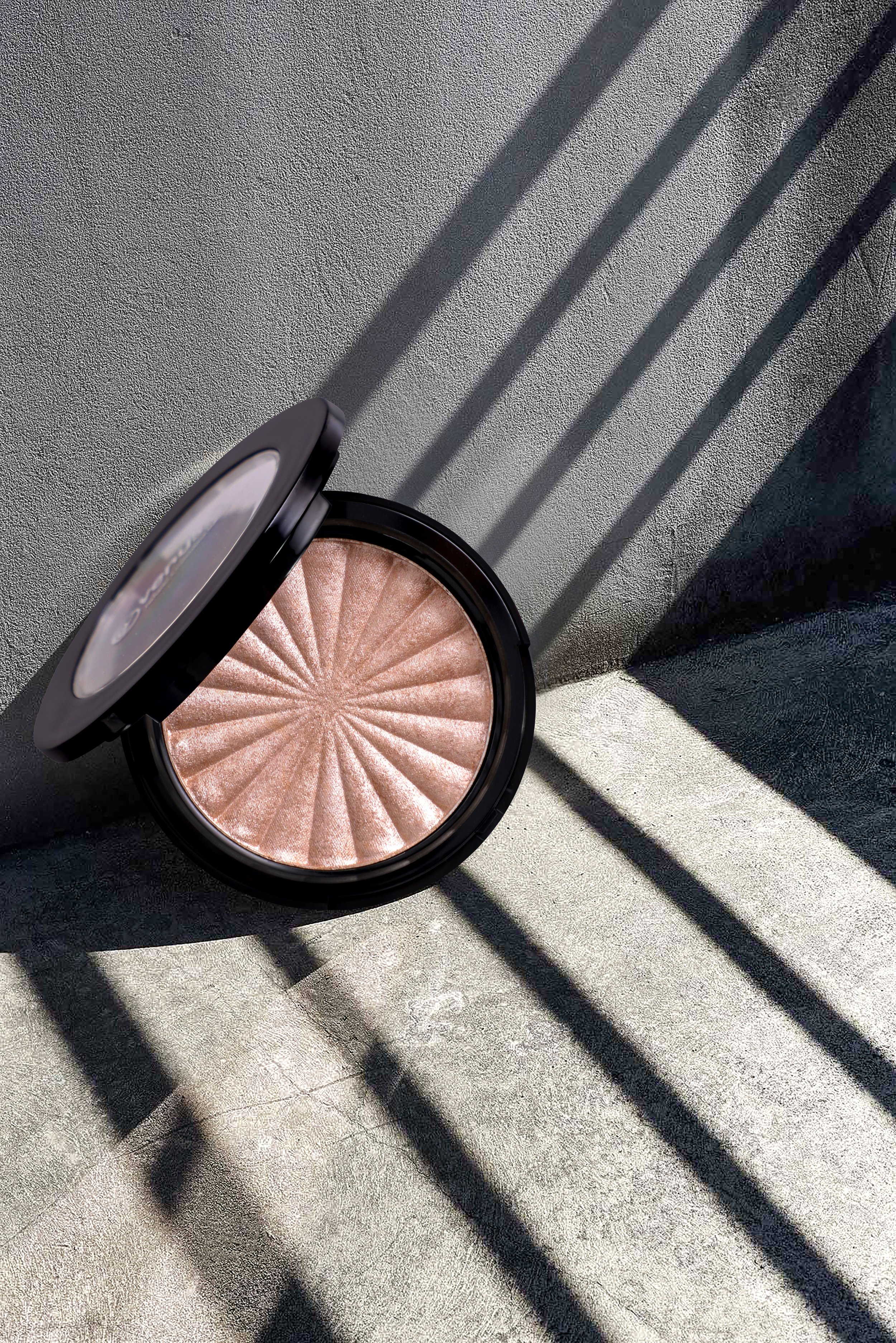 beauty-product-compact-powder-cosmetic-2655096.jpg