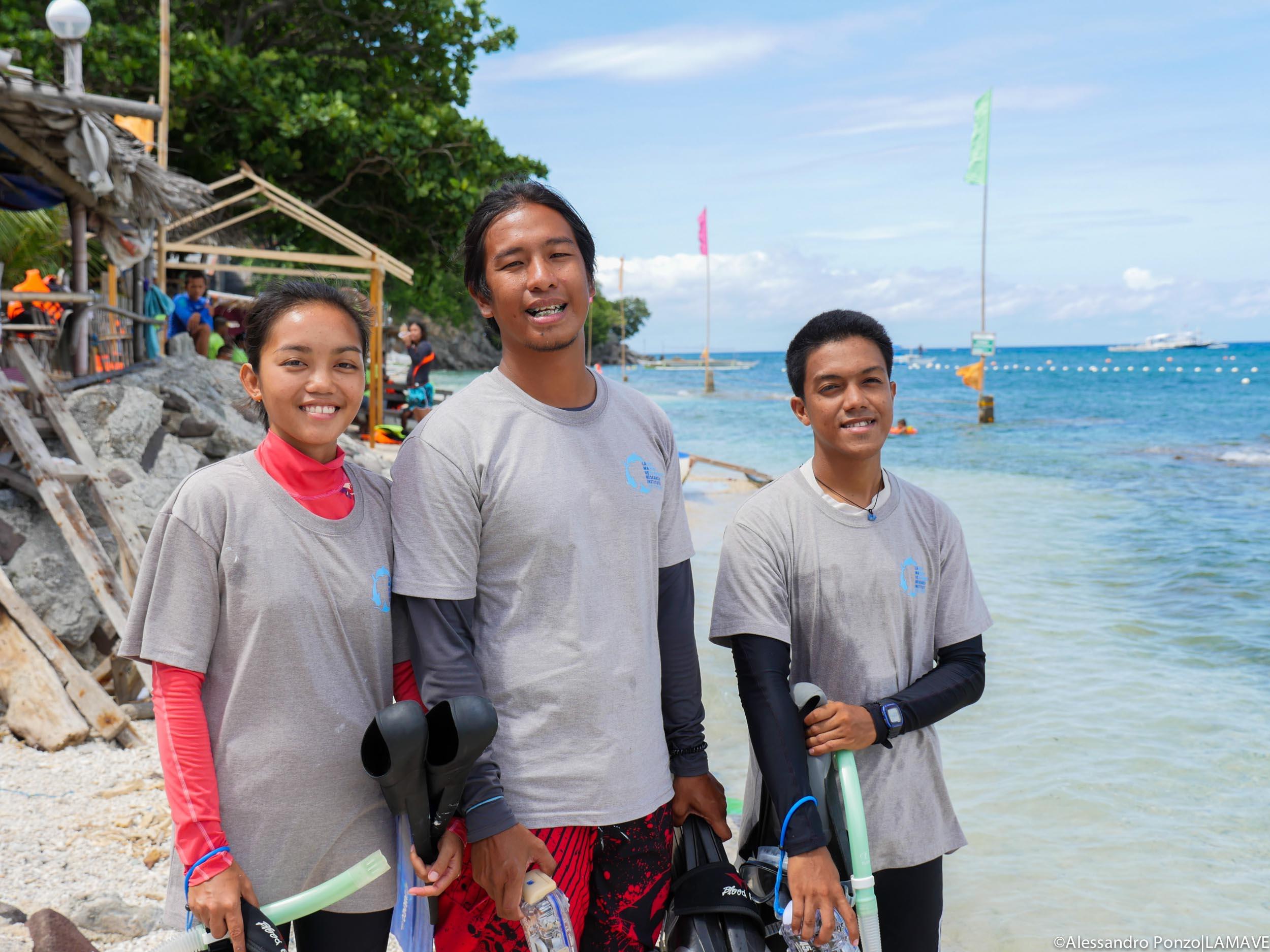 lamave-apo-island-research-team.jpg
