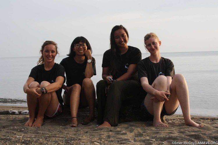 donsol-lamave-whale-shark-volunteers.jpg