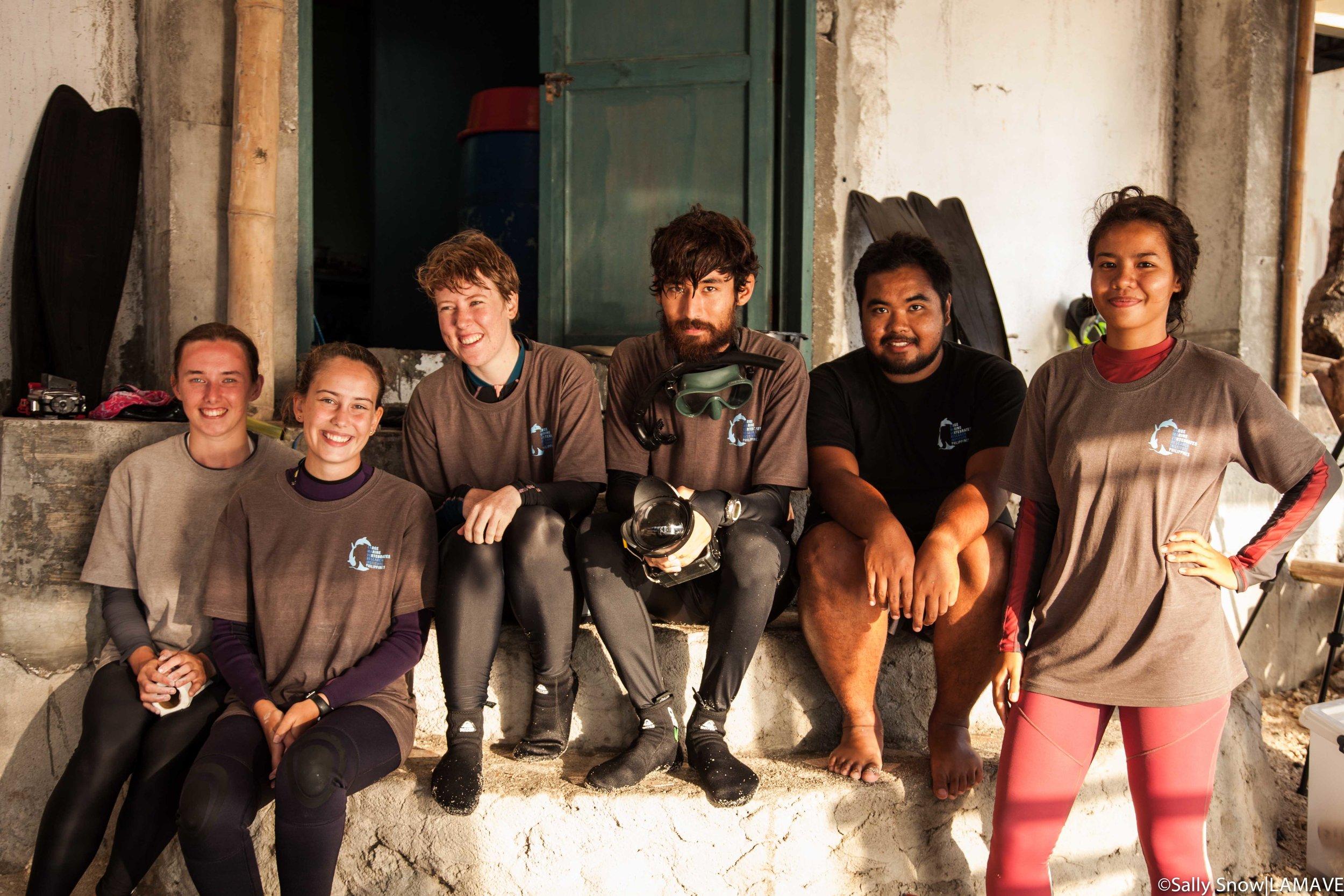 lamave-apo-island-volunteer-team-2018-sally-snow-IMG_0469.jpg