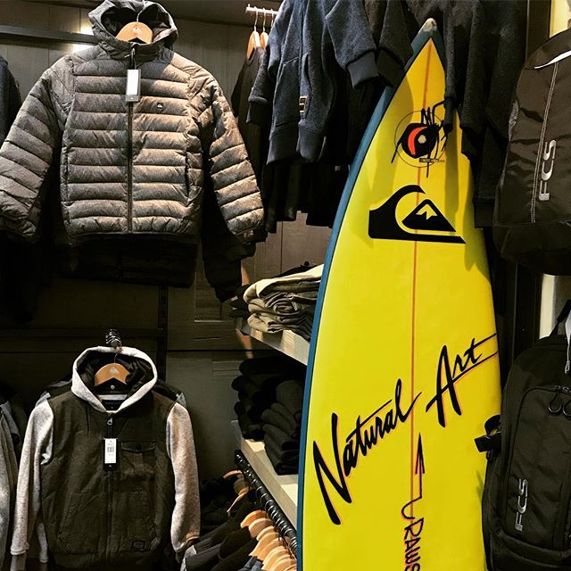 It's starting to get cold out there now and with winter weekend sports now in full swing, time to keep those kids warm. Quiksilver boys jackets just arrived in time. Come check them out @quiksilver