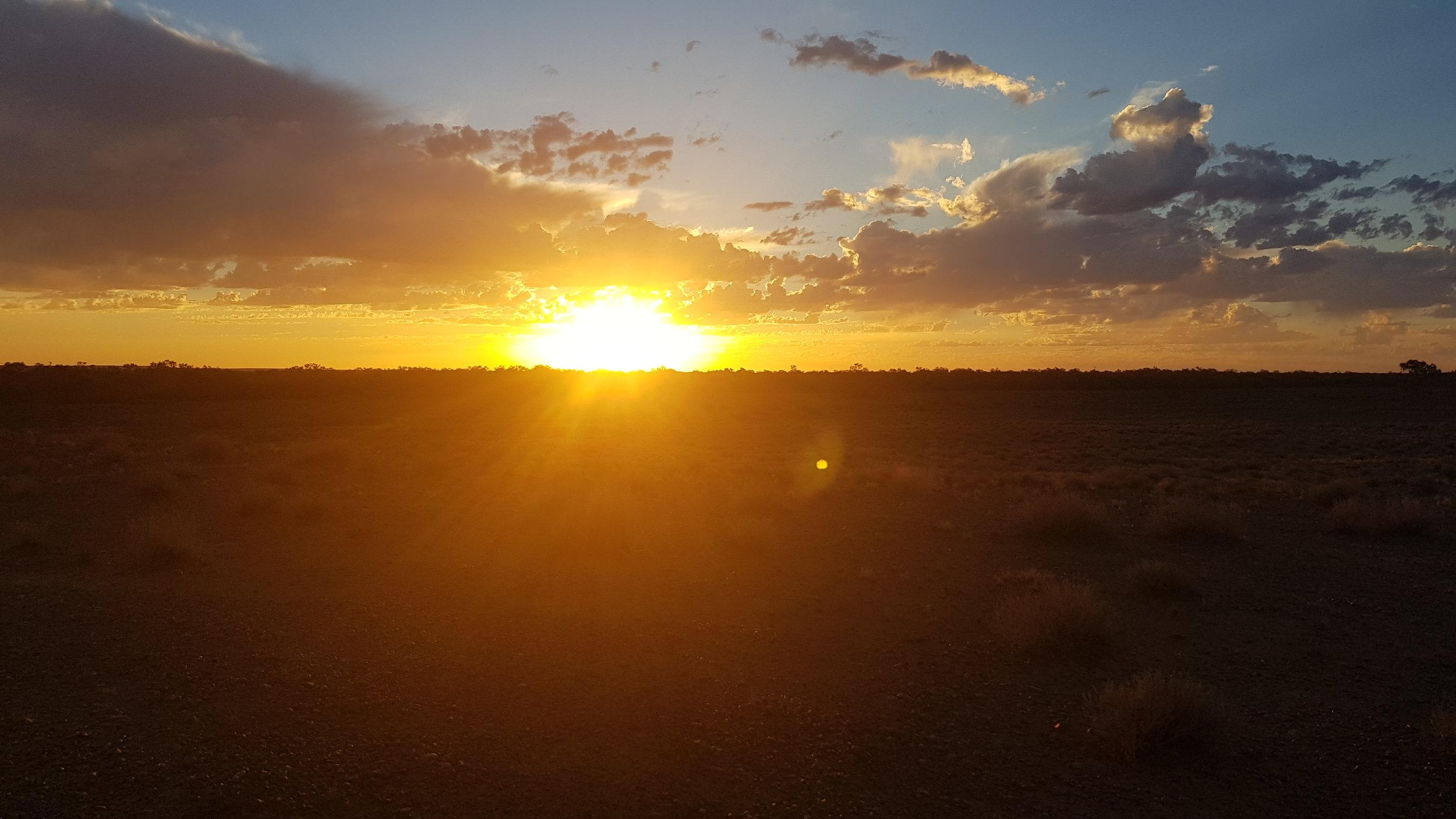 Sunset, Oodnadatta (near Pink Roadhouse)