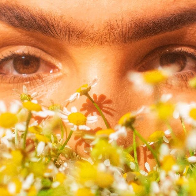 🍃The beauty of a person must be seen through their eyes...Our detox bath crystals (now available online) includes Jojoba oil and now Chamomile essential oil! Woman Owned, Woman Sourced