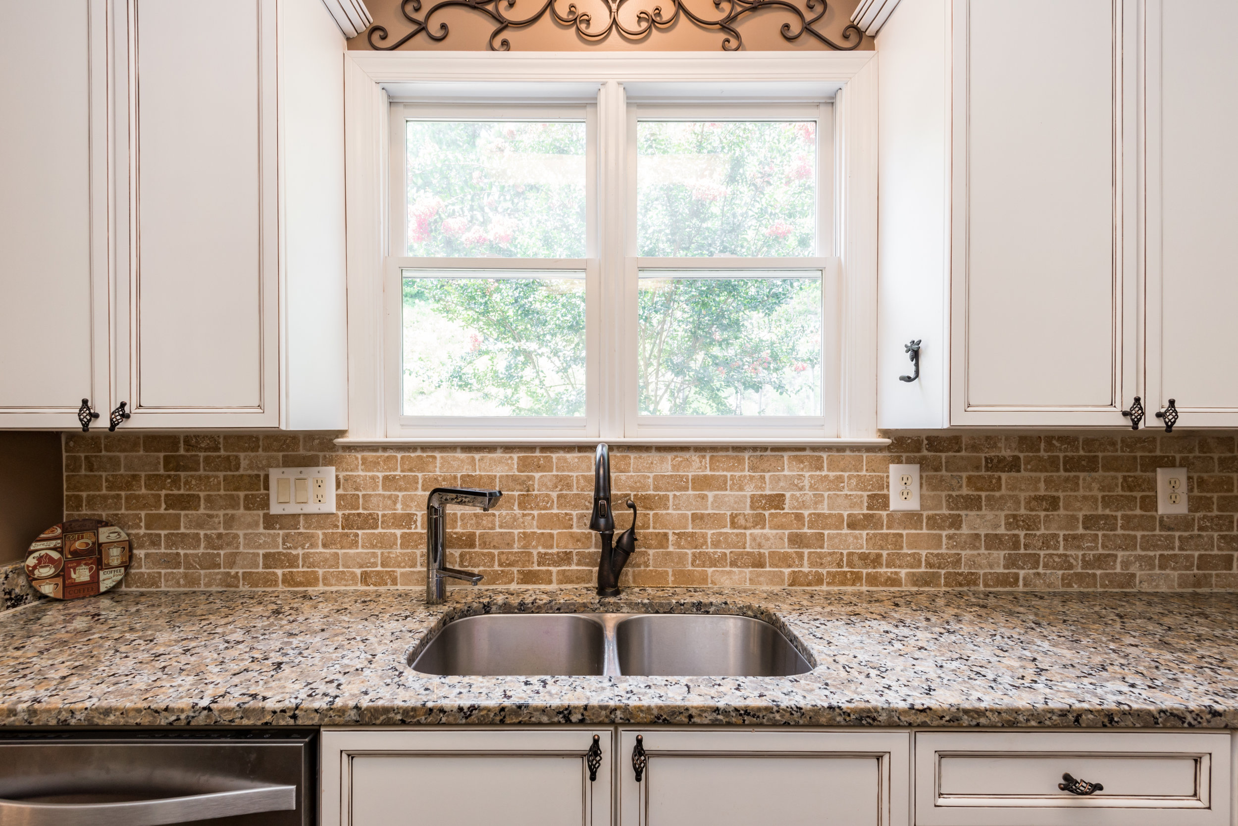 Countertops Clear