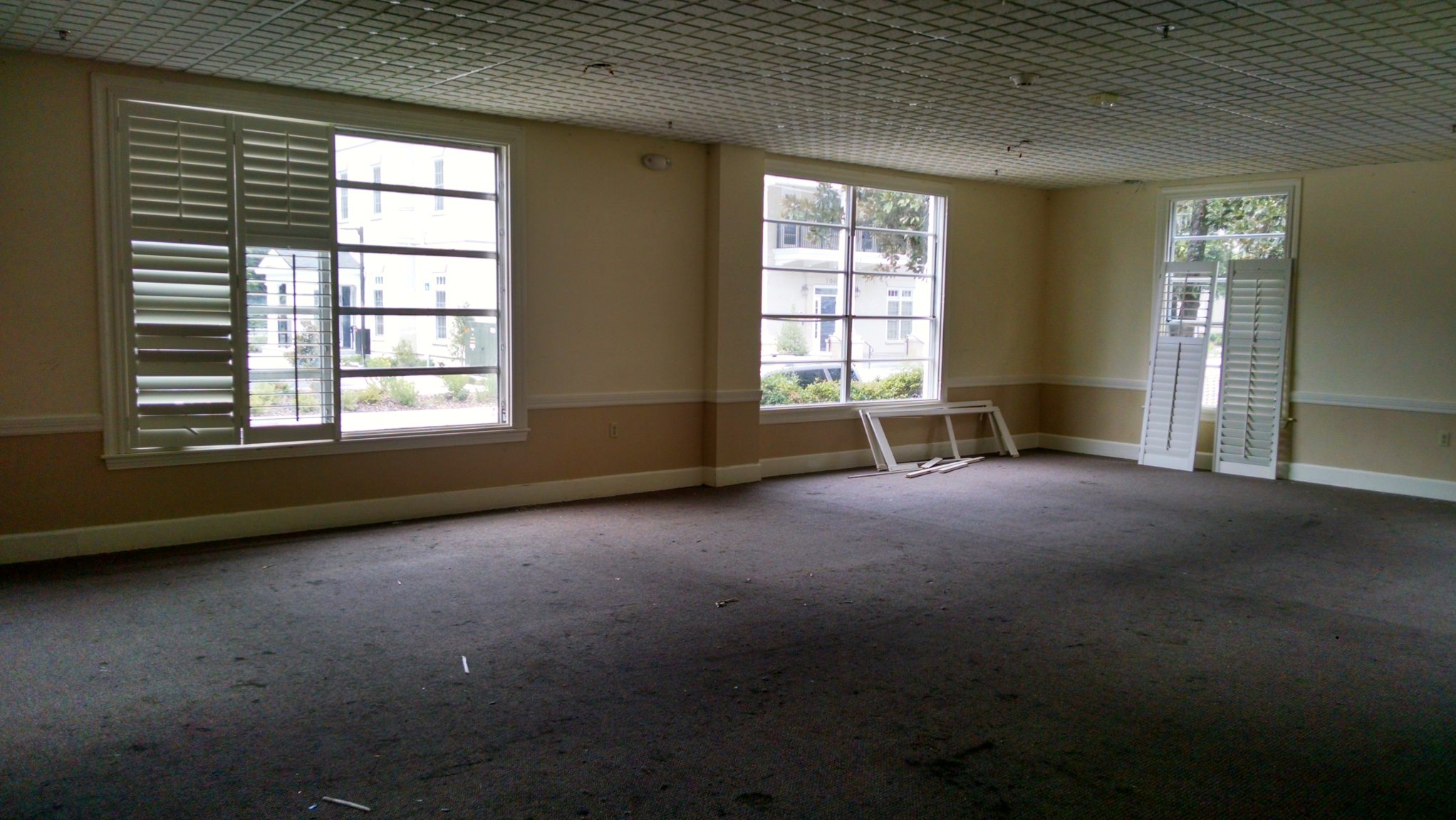 Big room resized.jpg