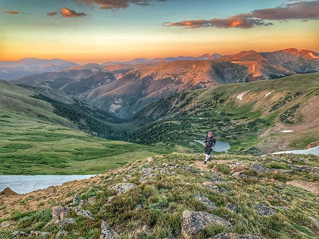 Good morning Colorado! Shredding some calories up Mt. Flora, above Berthoud pass 🏃 🏔 🏃‍♀️ ⠀ ⠀ ⠀ #coloradobackcountry #backcountryrunnimg #backcounty  #coloradorunning #runcolorado #locawildforcolorado #coloradooutdoors #coloradosnowboarding #shredcolorado #coloradoskiing #coloradoadventure # #visitcolorado #coloradooutside #outdoors #coloradoinstagram #outdoorscolorado #outsidecolorado #colorado❤️ #optoutside🌲 #thegreatoutdoorsofcolorado #climbingmountains #exploringcolorado #coloradoadventures #outdooradventures #getouttherecolorado #outdoorsofcolorado #coloradophotography  #coloradowild  #climb #coloradowilderness @visitdenver @visitblackhawk @visitcolorado @u.s.forestservice @1000thingstodoindenver