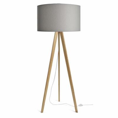 colouredby-stehleuchte-onno-lampenschirm-hellgrau-min.jpg