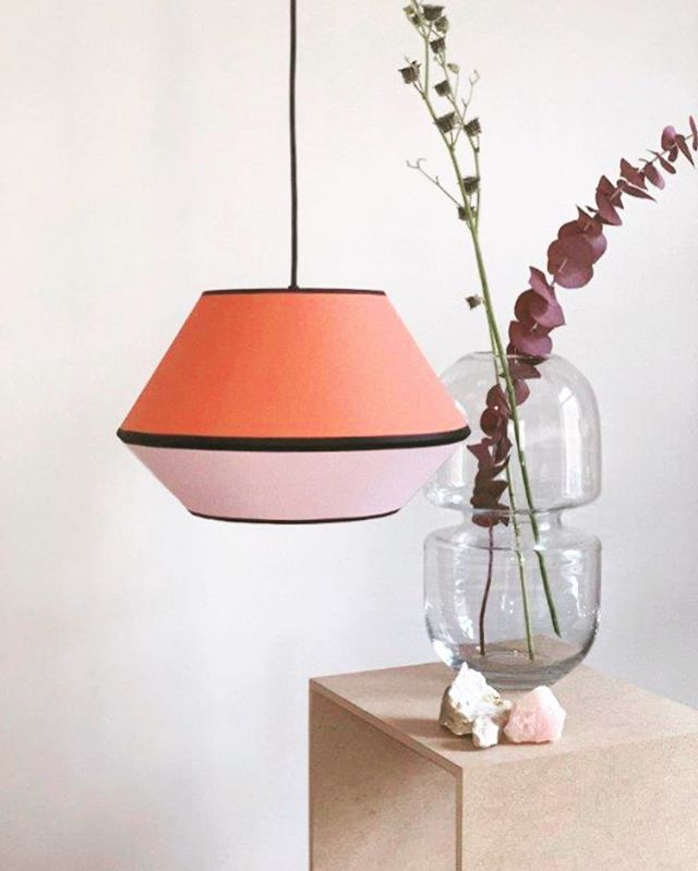 MINGUS S in Coral/Light Pink . . . . #lampenschirm #handmade #pendelleuchte #hängeleuchte #hängelampe #leuchten #lampe #lampendesign #lampshade #pendantlamp #pendantlight #colour #colourblock #colourblocking #colourlove #akzent #kontrast #lampenschirm #hängelampe #pendelleuchte #leuchten #lampe #design #lampendesign #lampshade #pendantlamp #pendantlamp #colour #colourblock #colorblocking #colourlove #kontrast #farbakzent #colouraccent #interiordesign #interiordesigner #interior4you1 #homedecor #homedecoration #madeingermany