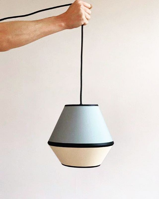 😍MINGUS XS in Urban Grey / Biscuit . . . . #lampenschirm #handmade #pendelleuchte #hängeleuchte #hängelampe #leuchten #lampe #lampendesign #lampshade #pendantlamp #pendantlight #colour #colourblock #colourblocking #colourlove #akzent #kontrast #lampenschirm #hängelampe #pendelleuchte #leuchten #lampe #design #lampendesign #lampshade #pendantlamp #pendantlamp #colour #colourblock #colorblocking #colourlove #kontrast #farbakzent #colouraccent #interiordesign #interiordesigner #interior4you1 #homedecor #homedecoration #madeingermany
