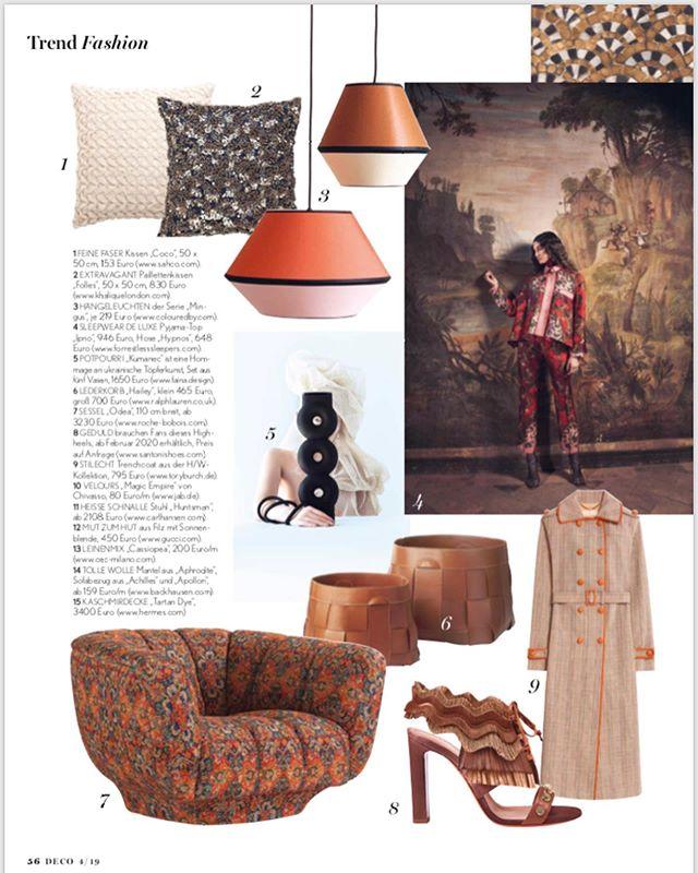MINGUS S und XS in bester Gesellschaft in der neuen Ausgabe der @decohomemag 🖤 . . . . #lampenschirm #hängelampe #pendelleuchte #leuchten #lampe #design #lampendesign #lampshade #pendantlamp #pendantlamp #colour #colourblock #colorblocking #colourlove #kontrast #farbakzent #colouraccent #interiordesign #interiordesigner #interior4you1 #homedecor #homedecoration #madeingermany