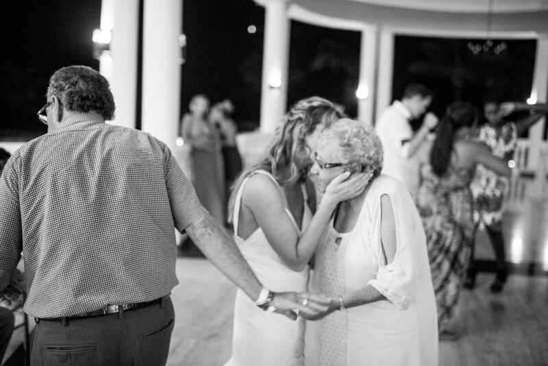 grand-palladium-lucea-jamaica-wedding-photos-33.jpg