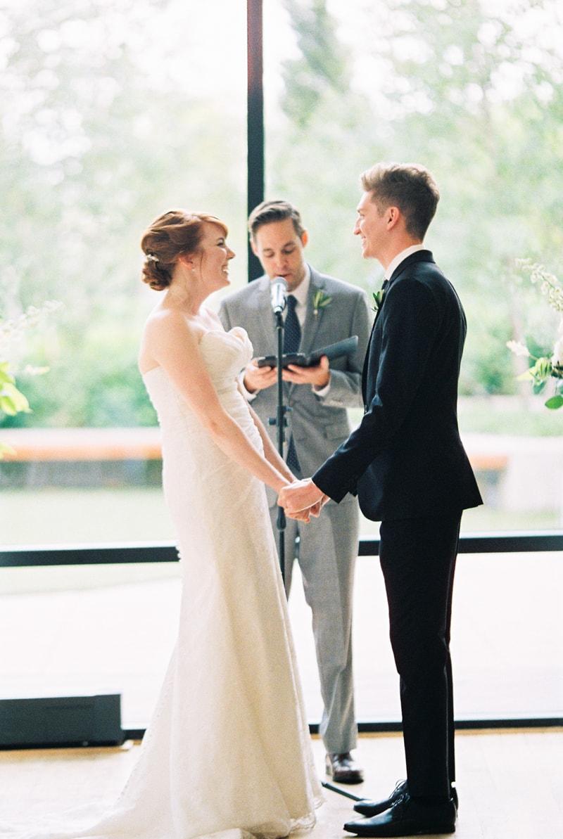 greenhouse-loft-chicago-wedding-photos-19-min.jpg