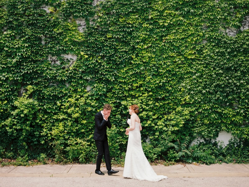 greenhouse-loft-chicago-wedding-photos-min.jpg