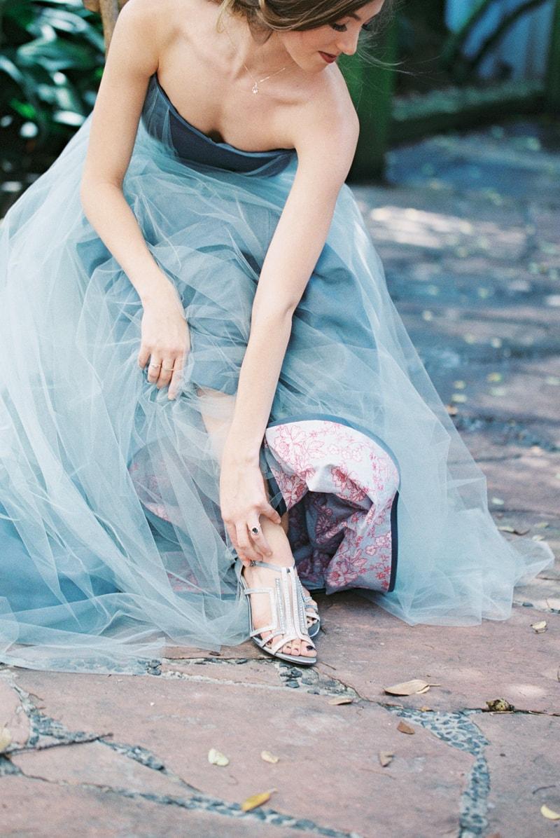 romantic-industrial-wedding-inspiration-houston-tx-min.jpg