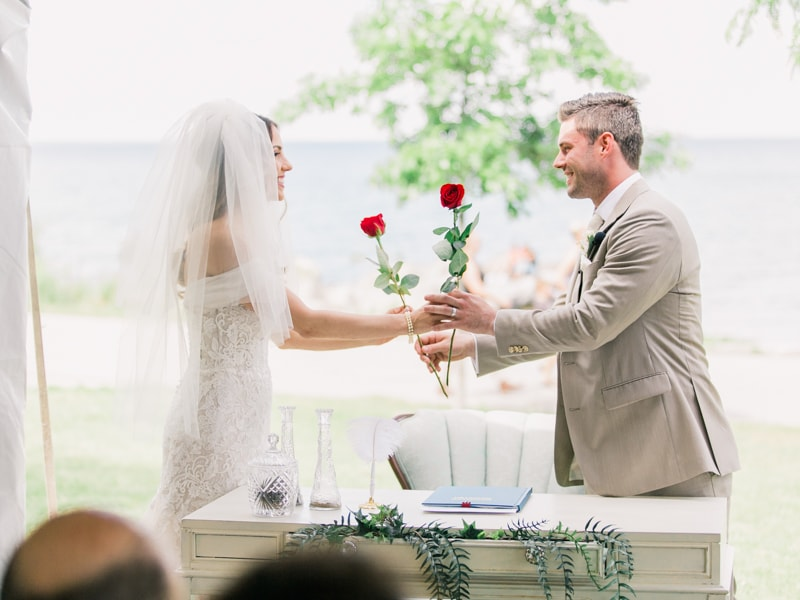 the-lakeview-wedding-in-ontario-canada-14-min.jpg
