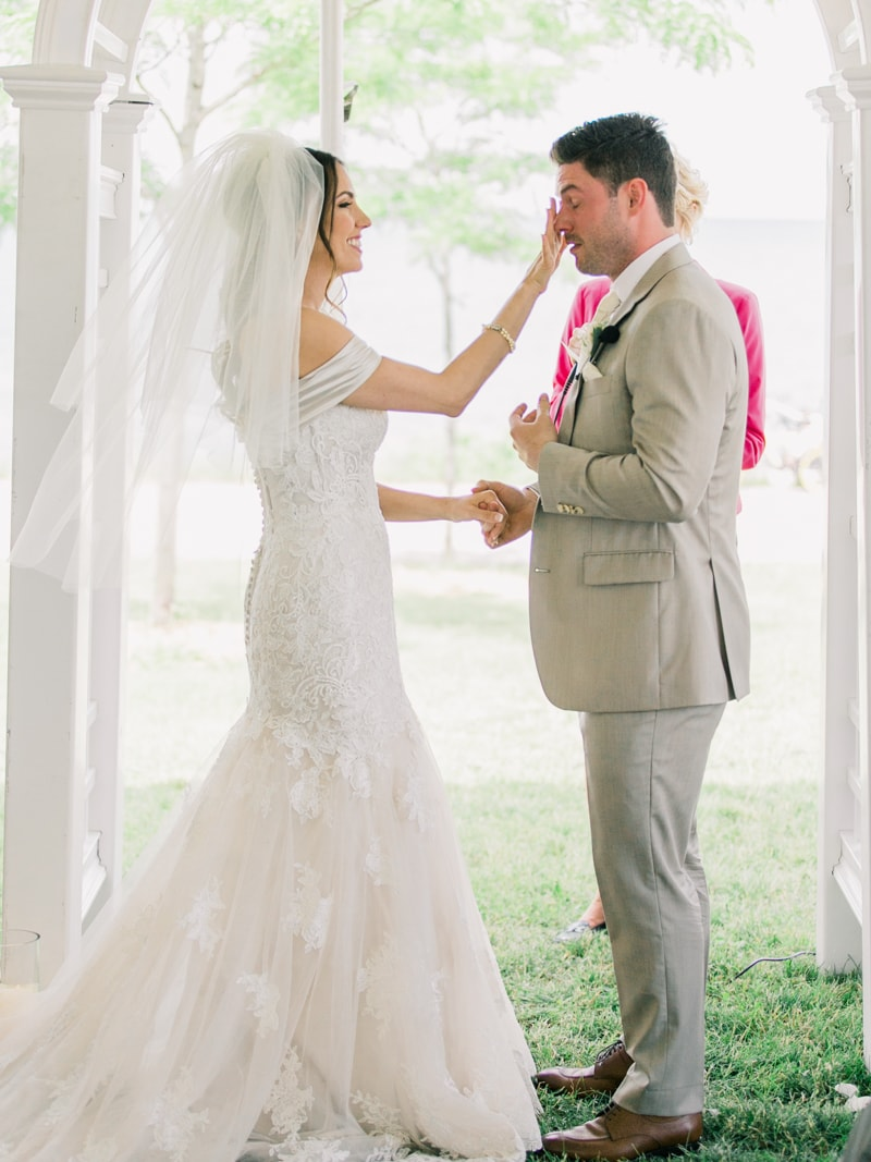 the-lakeview-wedding-in-ontario-canada-15-min.jpg