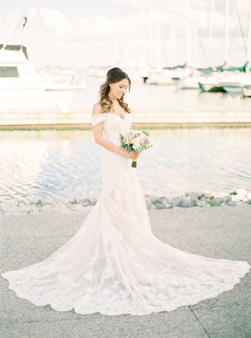 the-lakeview-wedding-in-ontario-canada-5-min.jpg