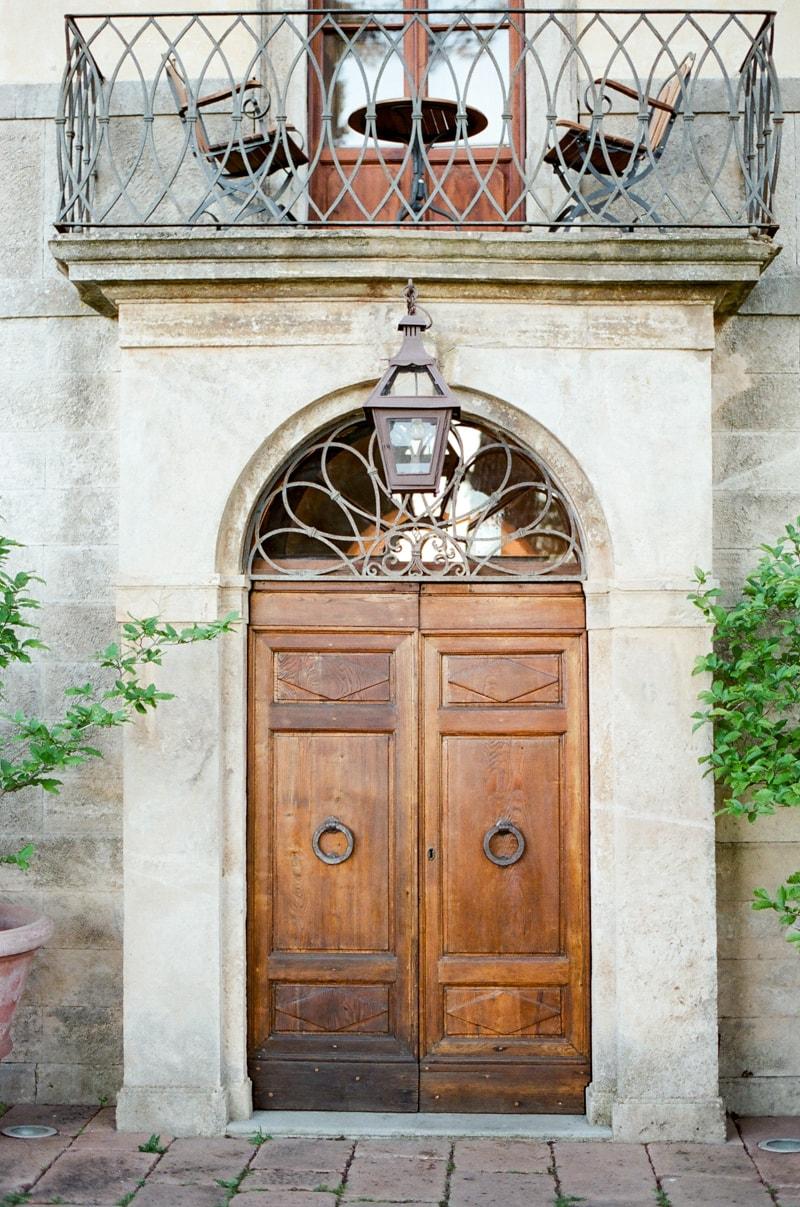 borgo-pignano-tuscany-italy-wedding-photos-28-min.jpg