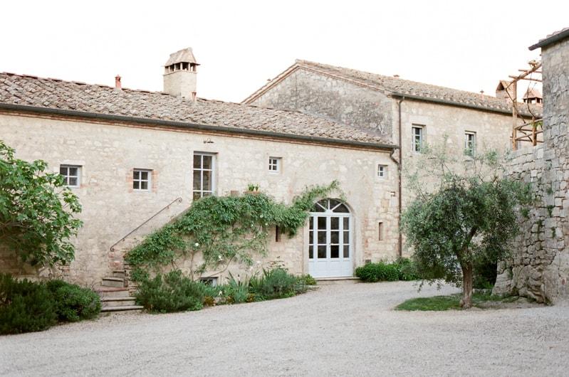 borgo-pignano-tuscany-italy-wedding-photos-3-min.jpg