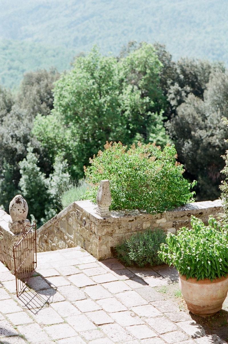 borgo-pignano-tuscany-italy-wedding-photos-6-min.jpg