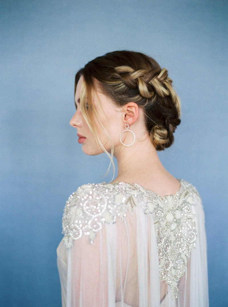 glitter-hair-and-makeup-ideas-bridal-hairstyles-2-min.jpg
