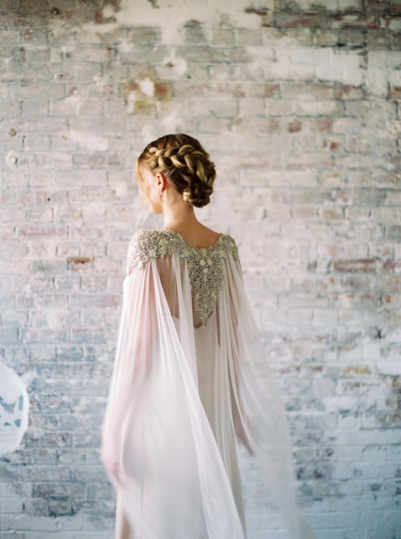 glitter-hair-and-makeup-ideas-bridal-hairstyles-min.jpg