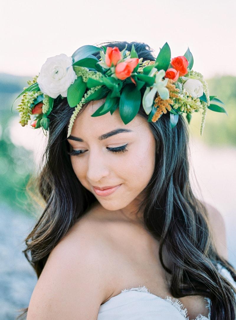 lakeside-wedding-inspiration-fine-art-contax-645-min.jpg