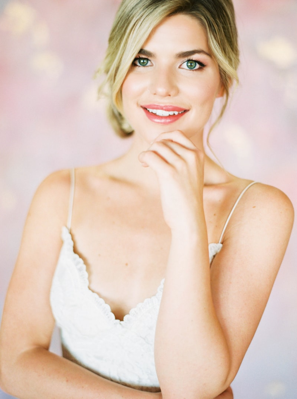 lovely-bride-wedding-dresses-fine-art-contax-645-13-min.jpg