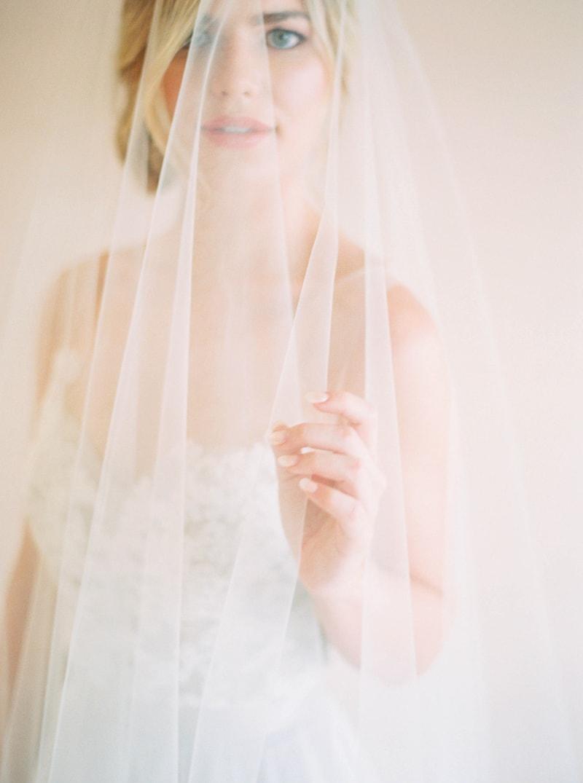 lovely-bride-wedding-dresses-fine-art-contax-645-2-min.jpg