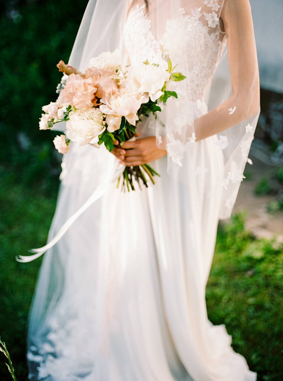russian-botanical-wedding-inspiration-trendy-bride-2-min.jpg