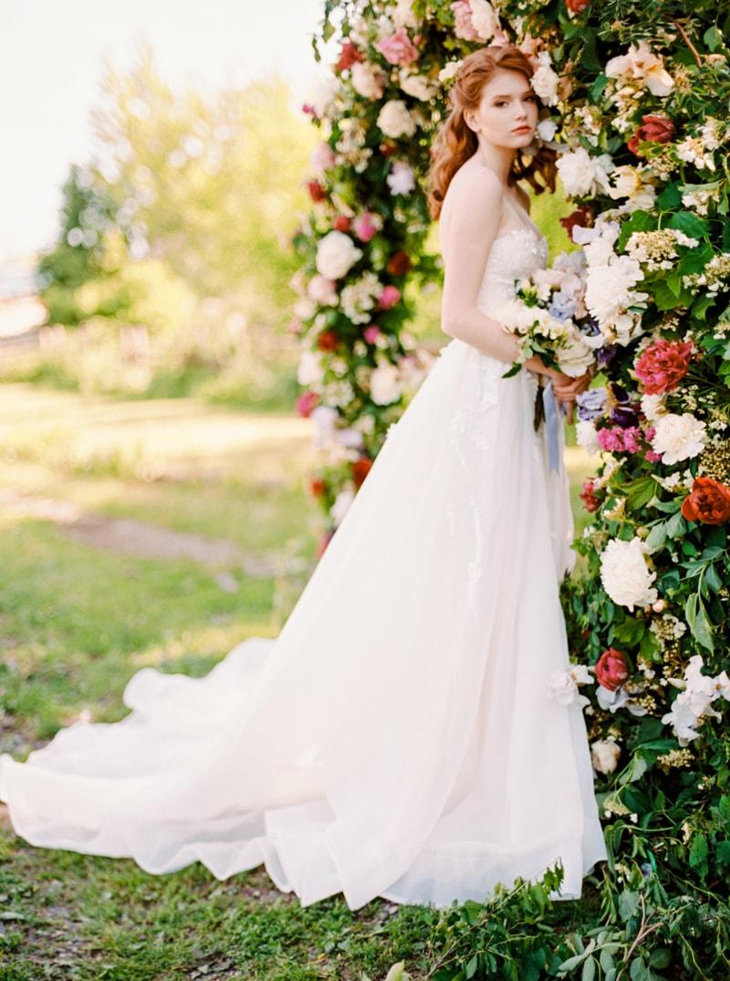 russian-botanical-wedding-inspiration-trendy-bride-20-min.jpg