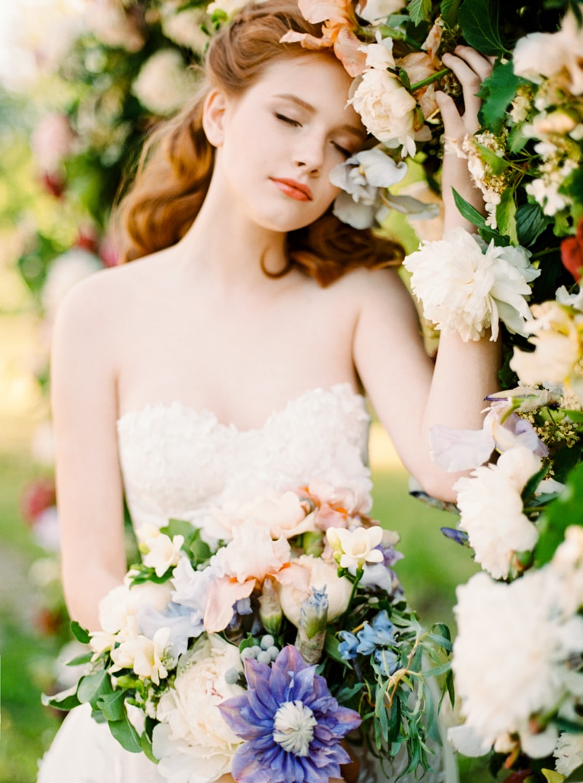 russian-botanical-wedding-inspiration-trendy-bride-21-min.jpg