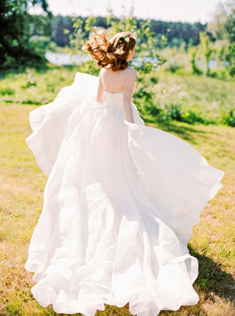 russian-botanical-wedding-inspiration-trendy-bride-24-min.jpg