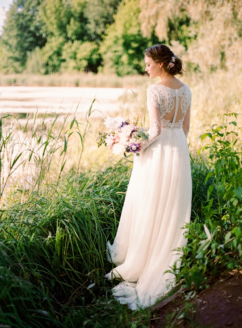 russian-botanical-wedding-inspiration-trendy-bride-3-min.jpg