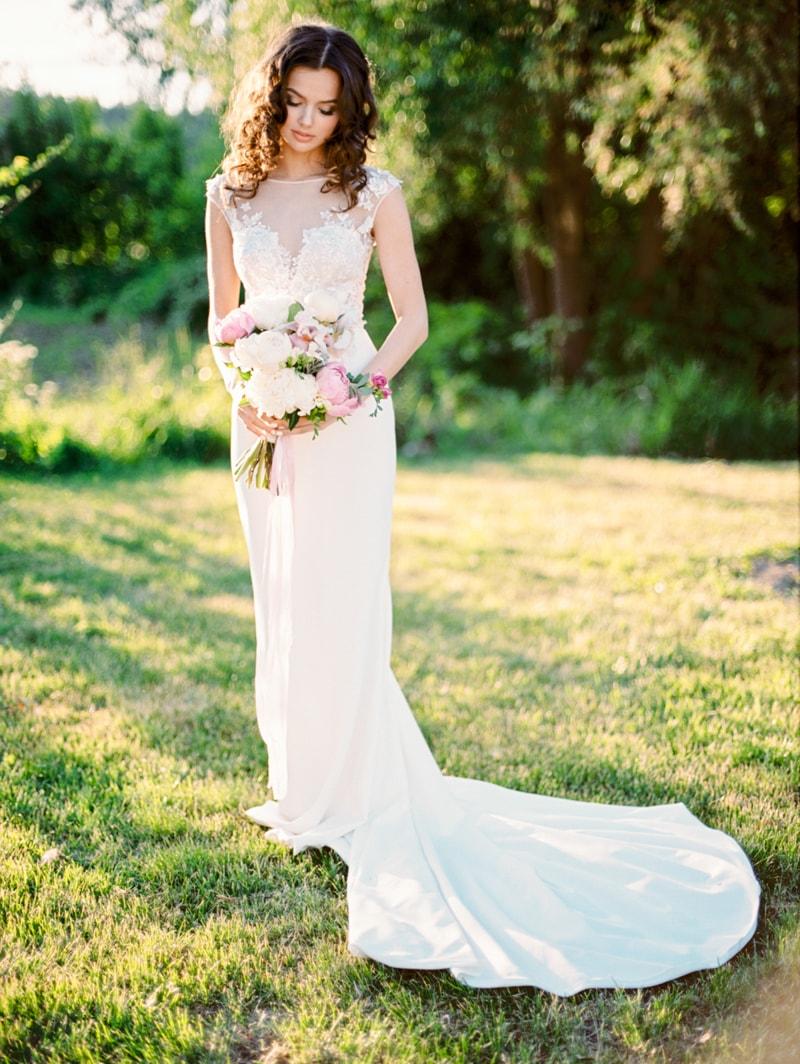 russian-botanical-wedding-inspiration-trendy-bride-8-min.jpg