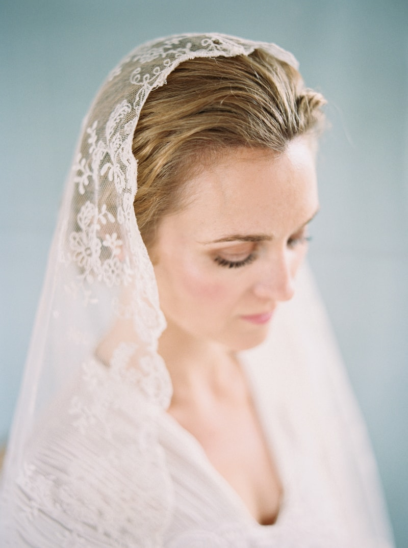 timeless-bridal-inspiration-denver-colorado-contax-645-19-min.jpg