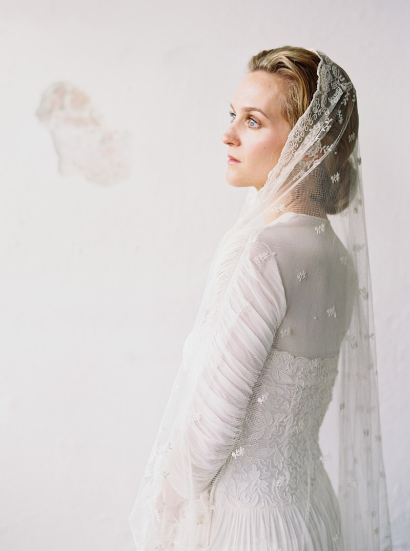 timeless-bridal-inspiration-denver-colorado-contax-645-2-min.jpg