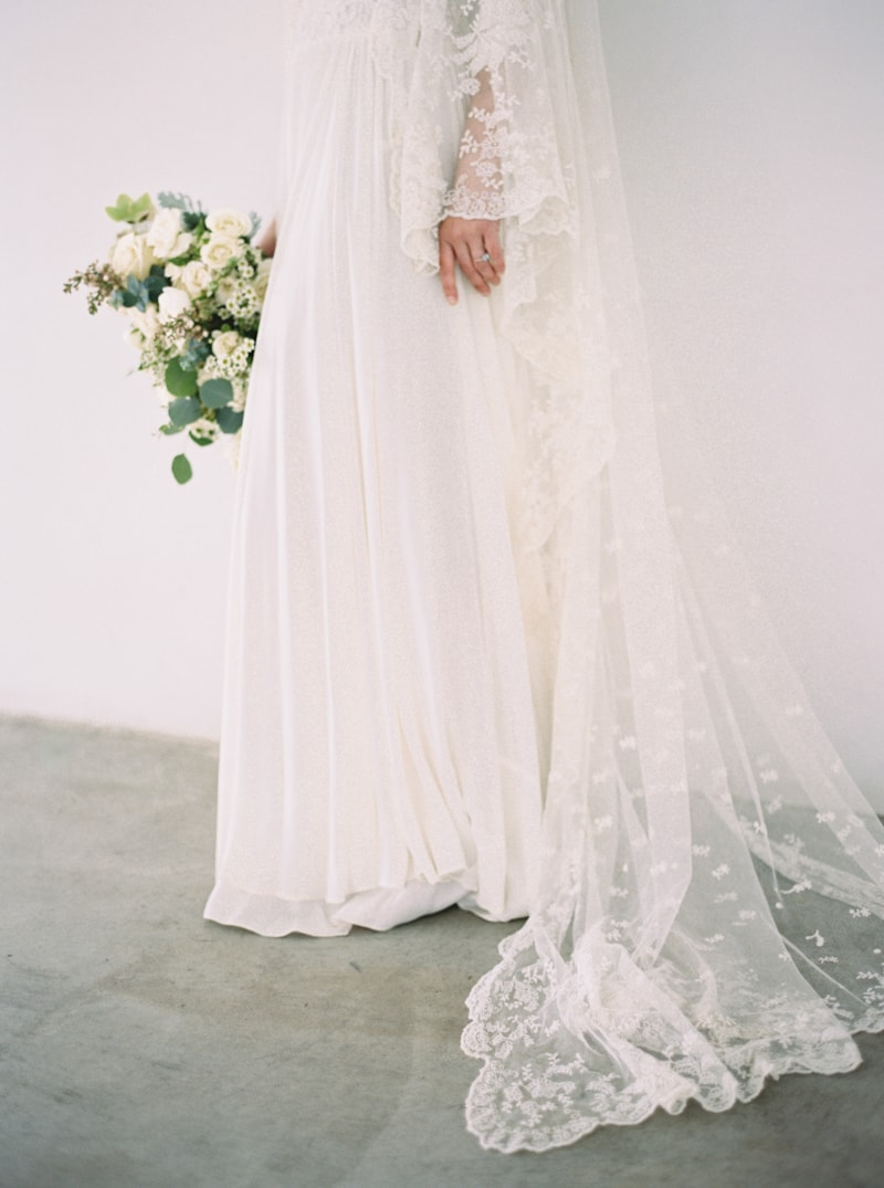 timeless-bridal-inspiration-denver-colorado-contax-645-21-min.jpg