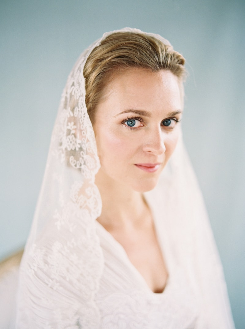 timeless-bridal-inspiration-denver-colorado-contax-645-5-min.jpg