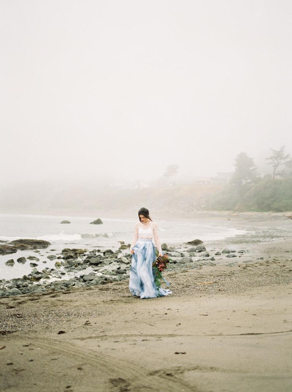 watercolor-wedding-inspiration-oregon-beach-11-min.jpg