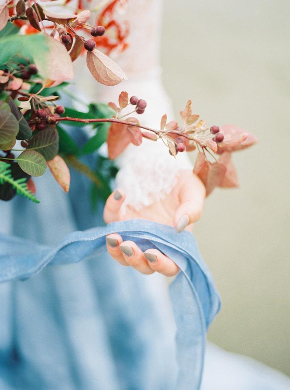 watercolor-wedding-inspiration-oregon-beach-20-min.jpg