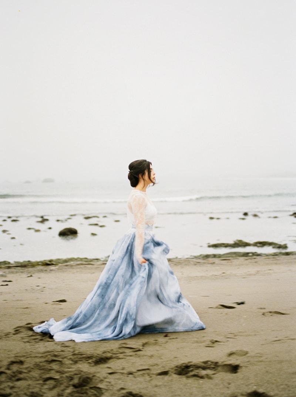 watercolor-wedding-inspiration-oregon-beach-21-min.jpg