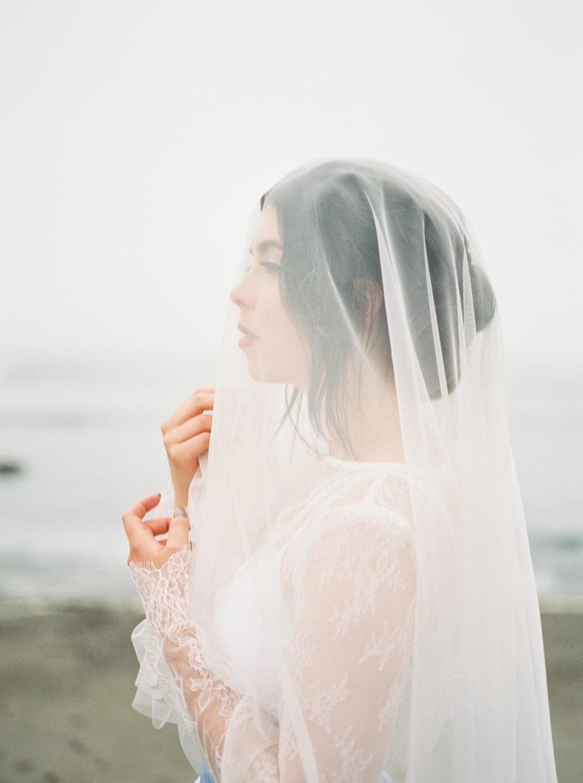 watercolor-wedding-inspiration-oregon-beach-9-min.jpg