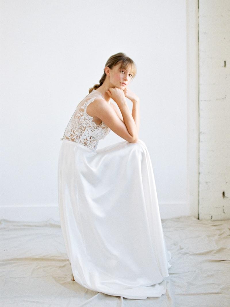 Minimal-Hair-Wedding-Inspiration-Fine-Art-Weddings-13-min.jpg