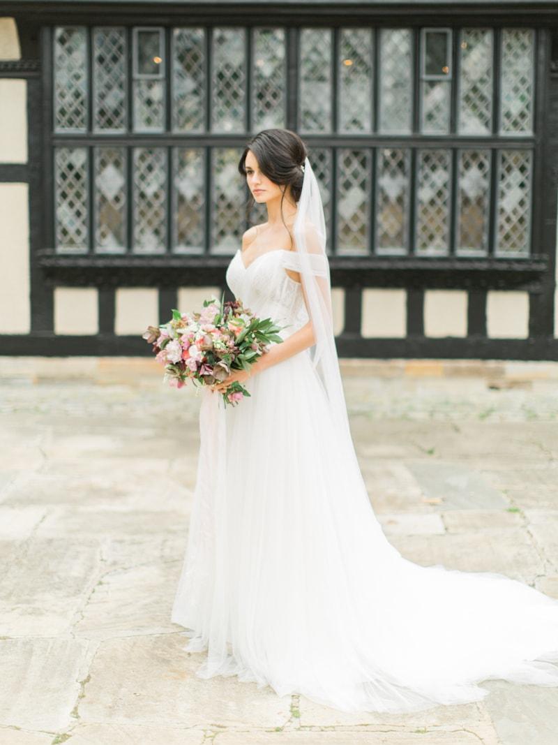 agecroft-hall-richmond-virginia-wedding-inspiration-12-min.jpg