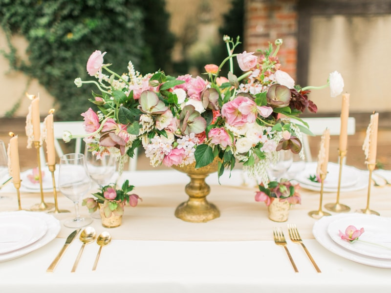 agecroft-hall-richmond-virginia-wedding-inspiration-17-min.jpg