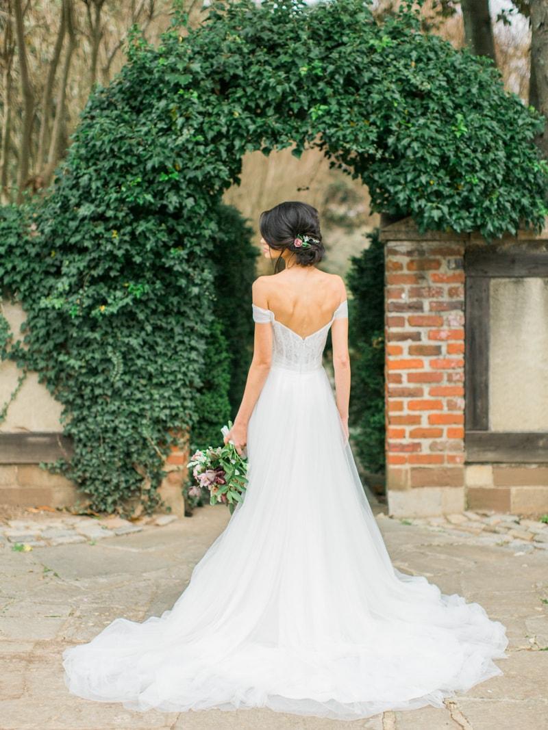 agecroft-hall-richmond-virginia-wedding-inspiration-19-min.jpg