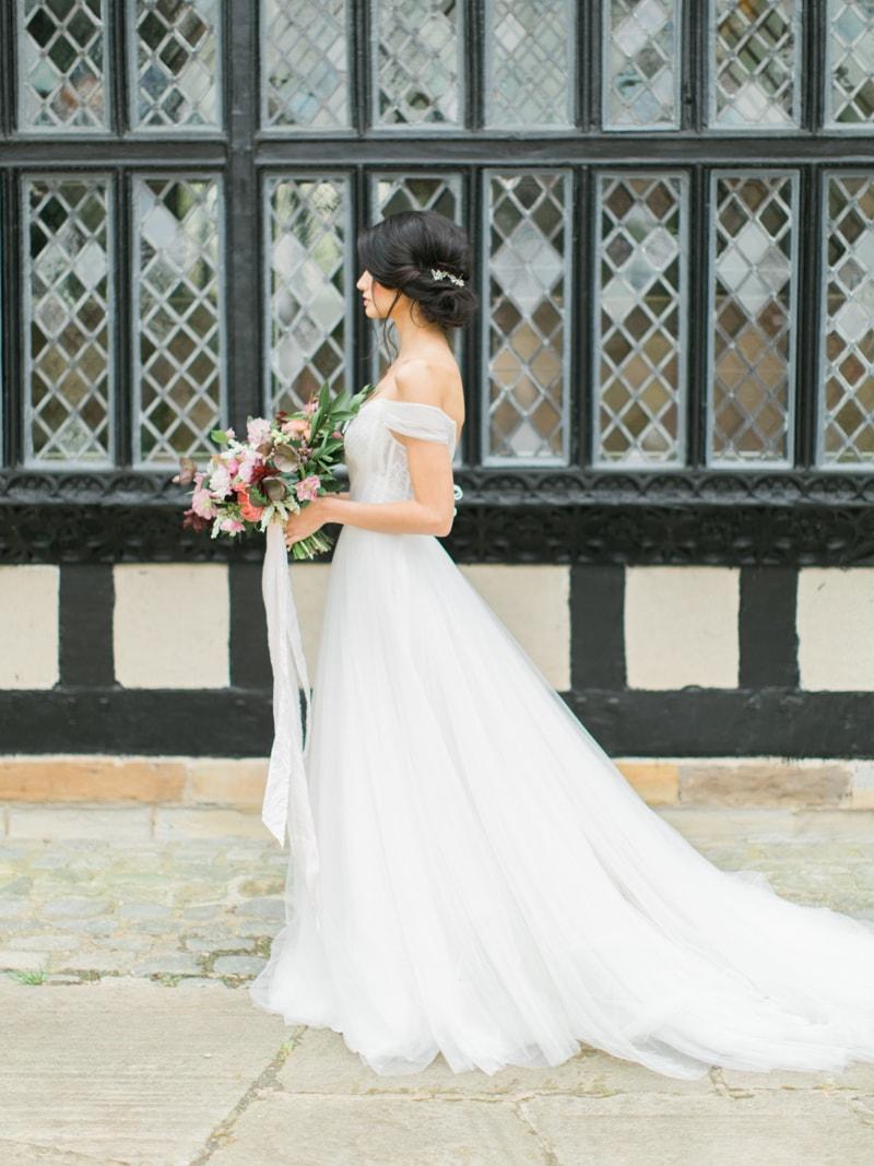 agecroft-hall-richmond-virginia-wedding-inspiration-4-min.jpg