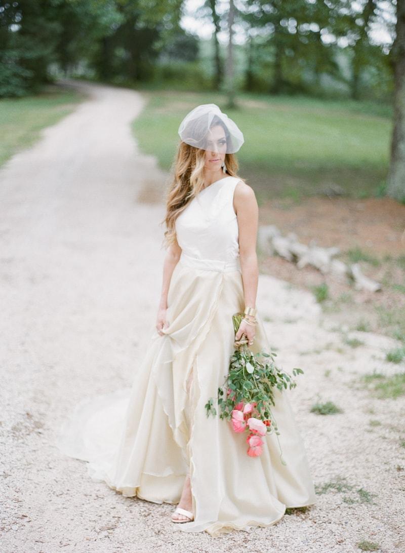 lounge-wedding-inspiration-fine-art-film-10-min.jpg