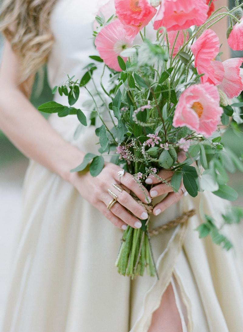 lounge-wedding-inspiration-fine-art-film-11-min.jpg